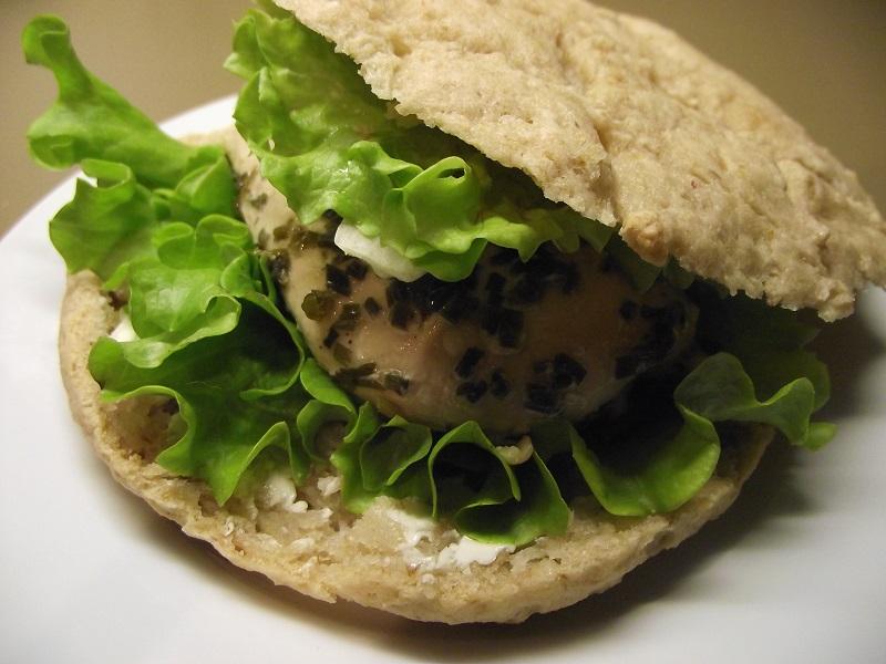 Pain sans gluten sans levure pour un pan bagna sandwich sans gluten