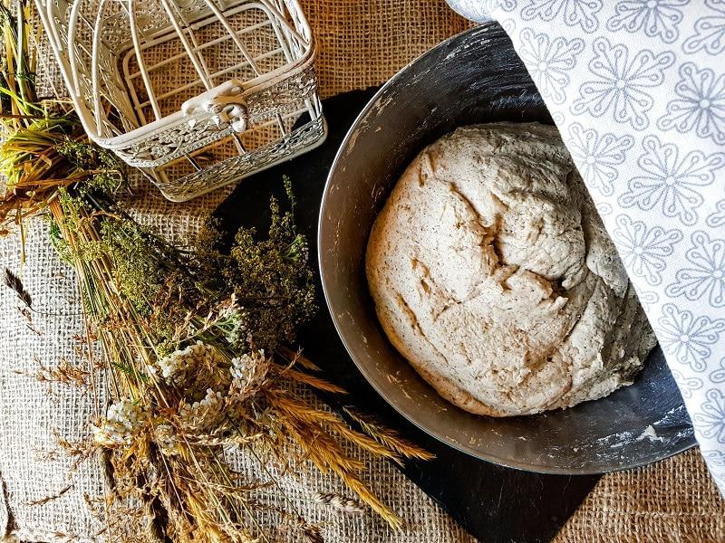 Pain sans gluten au levain de sarrasin atelier en vidéos pâte à pain sans gluten entrain de lever